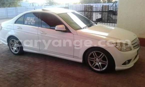 Buy Used Mercedes‒Benz E–Class White Car in Windhoek in Namibia