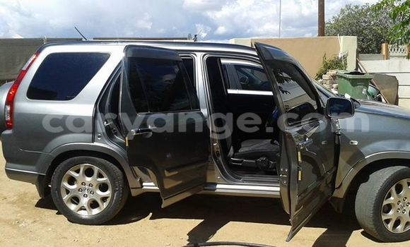 Buy Used Honda CR–V Silver Car in Windhoek in Namibia