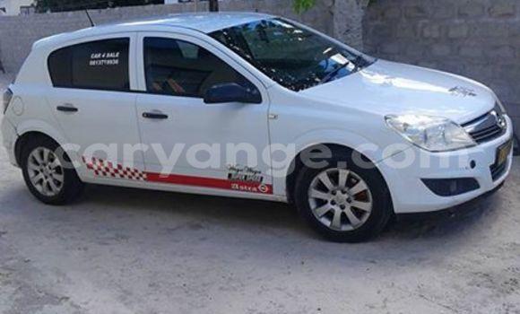 Buy Used Opel Astra White Car in Windhoek in Namibia