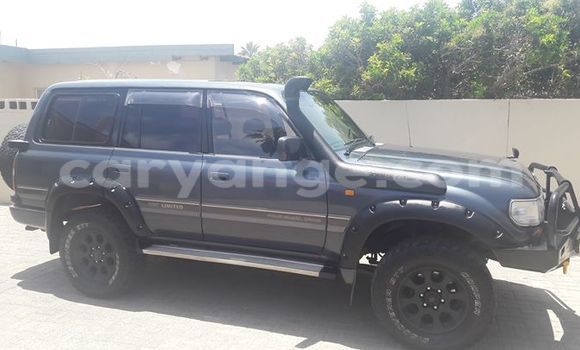 Buy Used Toyota Land Cruiser Black Car in Windhoek in Namibia