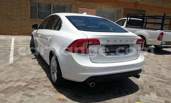 Buy Used Volvo S80 White Car in Windhoek in Namibia