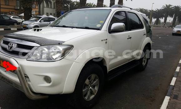Buy Used Toyota Fortuner White Car in Swakopmund in Namibia