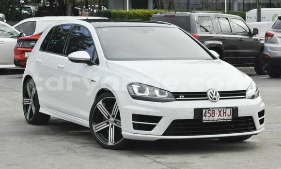 Buy Used Volkswagen Passat White Car in Oshakati in Namibia
