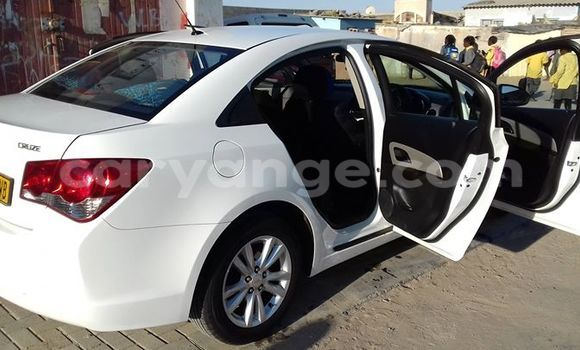 Buy Used Chevrolet Cruze White Car in Windhoek in Namibia