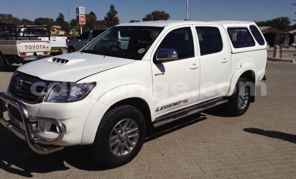 Buy Used Toyota Hilux Black Car in Otjiwarongo in Namibia