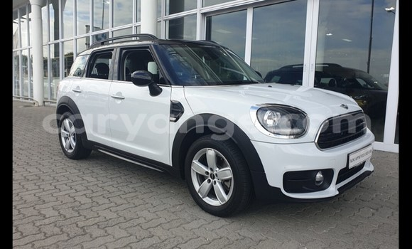 Medium with watermark mini countryman karas karasburg 12249