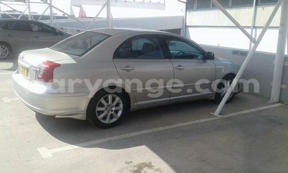 Buy Used Toyota Avensis Silver Car in Windhoek in Namibia