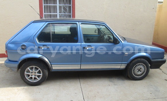 Buy Used Volkswagen Golf Blue Car in Otjiwarongo in Namibia