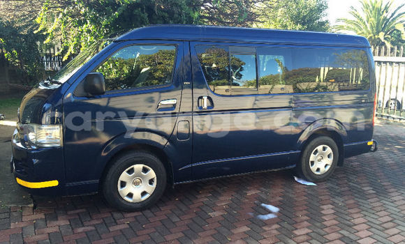 Buy Used Toyota Hi Ace Blue Car in Walvis Bay in Namibia