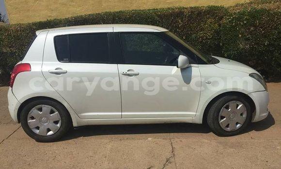 Buy Used Suzuki Swift White Car in Windhoek in Namibia