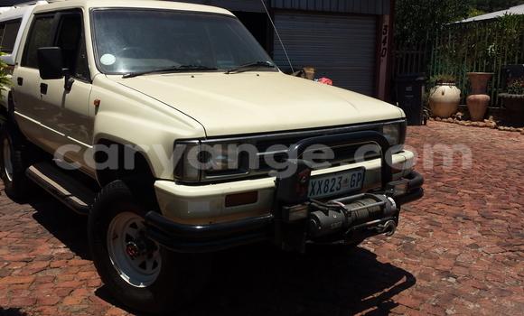 Buy Used Toyota Hilux Beige Car in Windhoek in Namibia