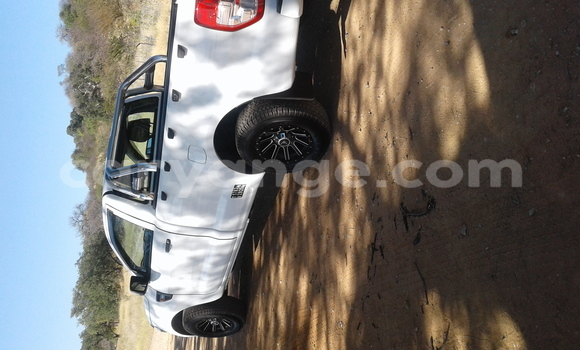 Buy Used Ford Ranger White Car in Oshakati in Namibia